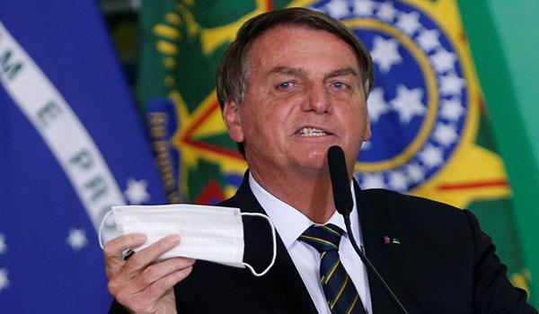 Presidente de Brasil advirtió que vetará proyecto de certificado de inmunización contra la COVID-19