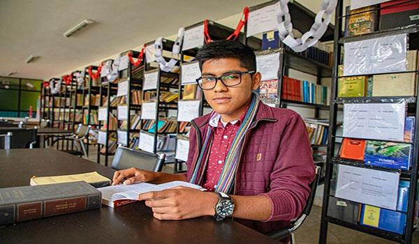 Hijos de docentes podrán acceder a becas de educación superior