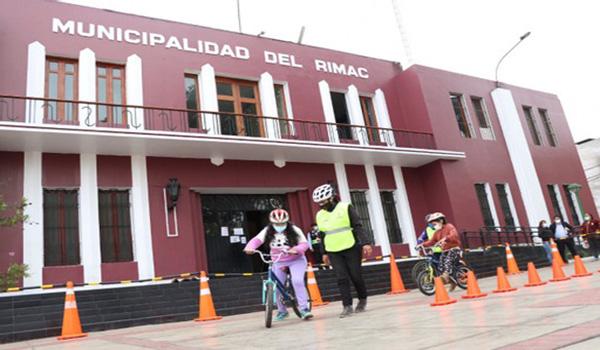 Rímac: Escuela Metropolitana de Ciclismo Urbano llegó para dar clases gratuitas a vecinos