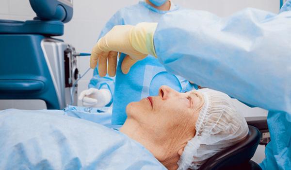 Hospital Sabogal: 187 pacientes fueron operados de catarata entre julio y agosto